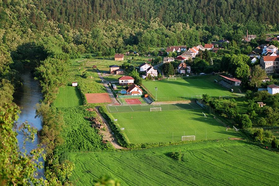 Hotel Kácov - letecký pohled na sportovní areál